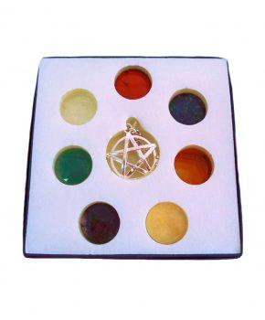 Colgante Pentagrama con 7 Chakras Plateada
